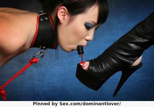 asian-slave-girl-feet-boots-collar-tied